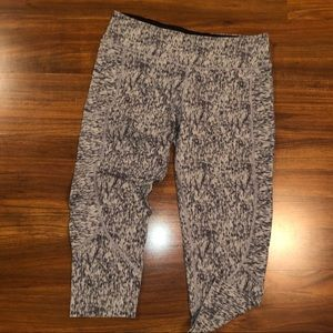 Gray pattern VS sport cropped legging with pockets